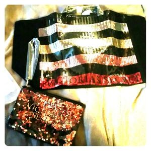 BNWT Large Victoria Secret Tote ,wristlet & coupon